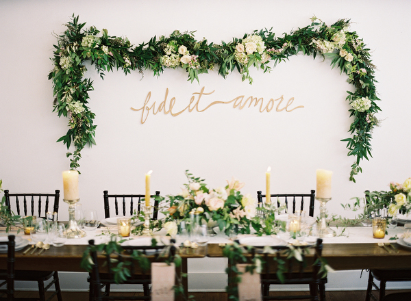 Wall Decor Greenery : Our favorite  wedding decor trends part